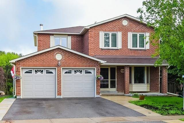 Detached at 446 Dorchester St, Newmarket, Ontario. Image 1