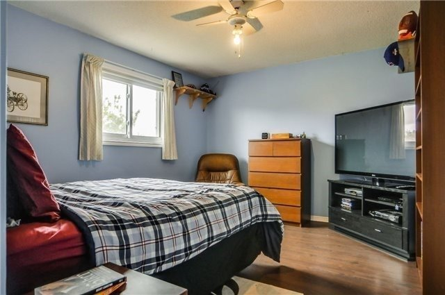 Detached at 446 Dorchester St, Newmarket, Ontario. Image 6