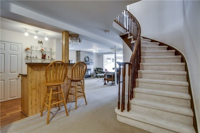 Detached at 446 Dorchester St, Newmarket, Ontario. Image 7
