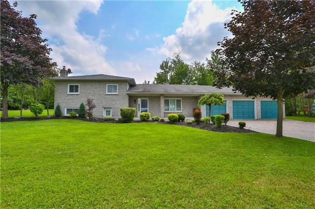 Detached at 4235 County 88 Rd W, Bradford West Gwillimbury, Ontario. Image 1