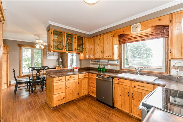 Detached at 5814 27 County Rd, Essa, Ontario. Image 15