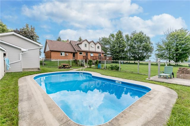 Detached at 5814 27 County Rd, Essa, Ontario. Image 10