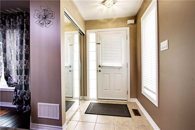 Townhouse at 42 Sequin Dr, Richmond Hill, Ontario. Image 10