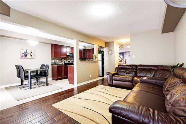 Townhouse at 42 Sequin Dr, Richmond Hill, Ontario. Image 13