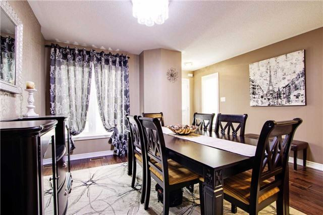 Townhouse at 42 Sequin Dr, Richmond Hill, Ontario. Image 15
