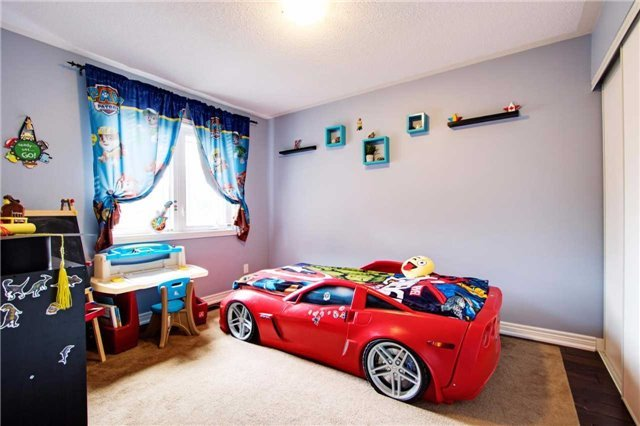 Townhouse at 42 Sequin Dr, Richmond Hill, Ontario. Image 9