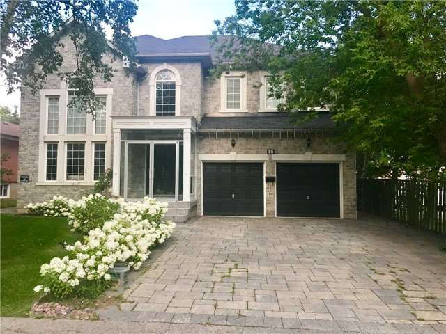 Detached at 15 Doncrest Rd, Richmond Hill, Ontario. Image 1