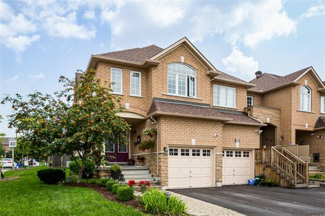 Townhouse at 90 Briarhall Cres, Markham, Ontario. Image 1