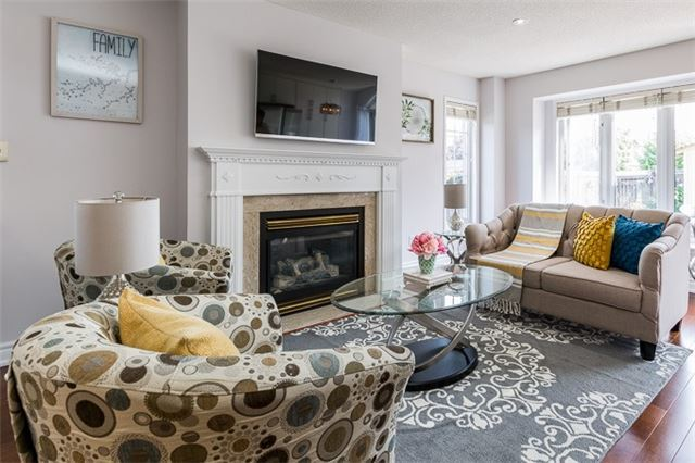 Townhouse at 90 Briarhall Cres, Markham, Ontario. Image 14