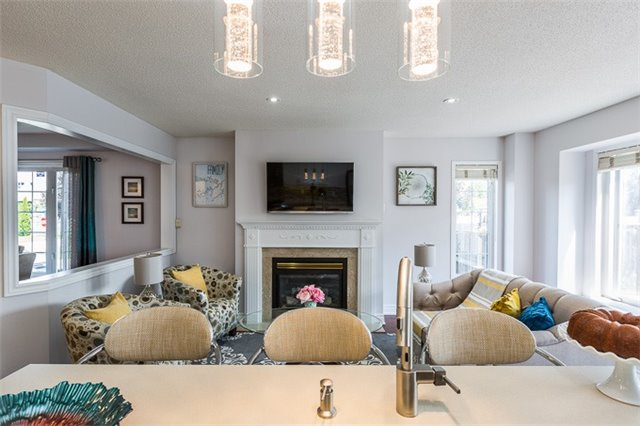 Townhouse at 90 Briarhall Cres, Markham, Ontario. Image 15