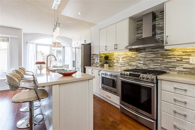 Townhouse at 90 Briarhall Cres, Markham, Ontario. Image 16