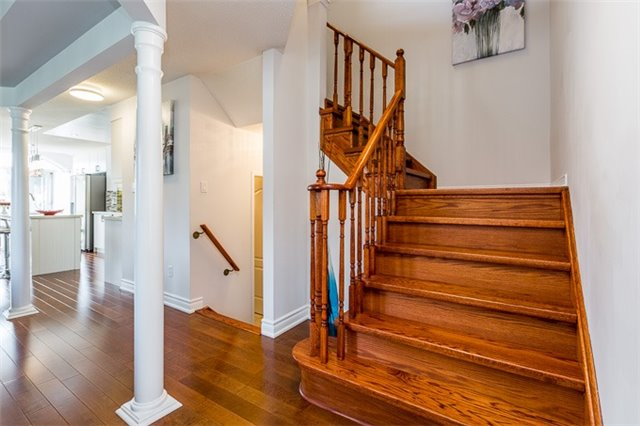 Townhouse at 90 Briarhall Cres, Markham, Ontario. Image 18