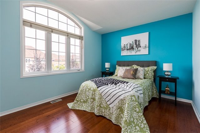 Townhouse at 90 Briarhall Cres, Markham, Ontario. Image 3