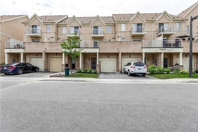 Townhouse at 68 Cathedral High St, Markham, Ontario. Image 12