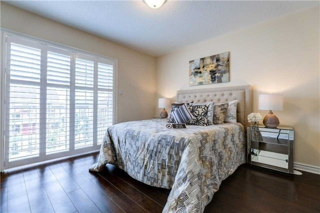 Townhouse at 68 Cathedral High St, Markham, Ontario. Image 19