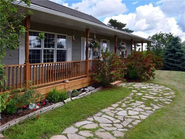 Detached at 3828 15th Line, Innisfil, Ontario. Image 14