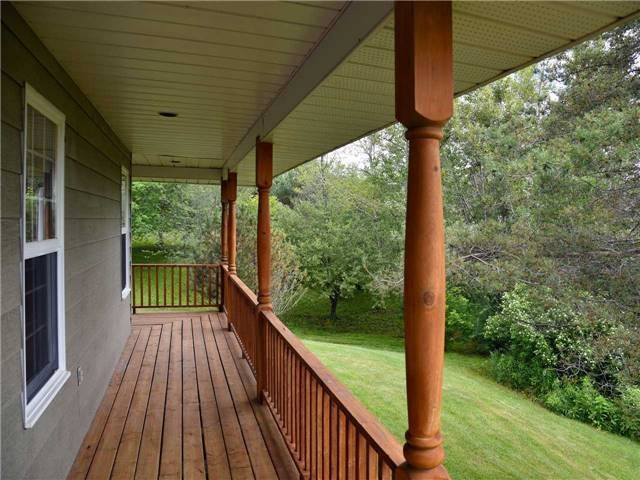 Detached at 3828 15th Line, Innisfil, Ontario. Image 10