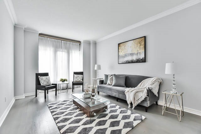 Detached at 12 Springbrook Dr, Richmond Hill, Ontario. Image 20