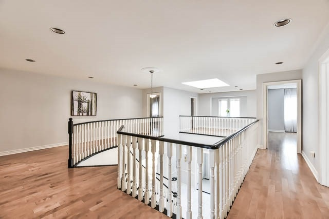 Detached at 12 Springbrook Dr, Richmond Hill, Ontario. Image 3