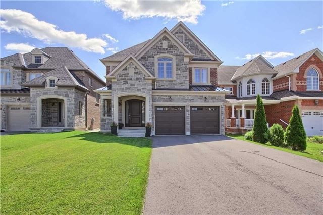 Detached at 51 Vitlor Dr, Richmond Hill, Ontario. Image 1