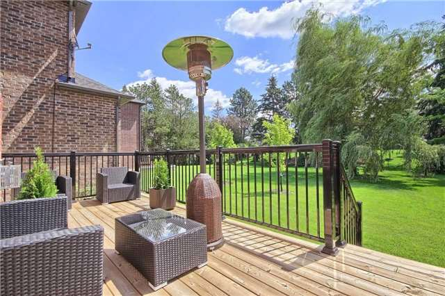 Detached at 51 Vitlor Dr, Richmond Hill, Ontario. Image 10