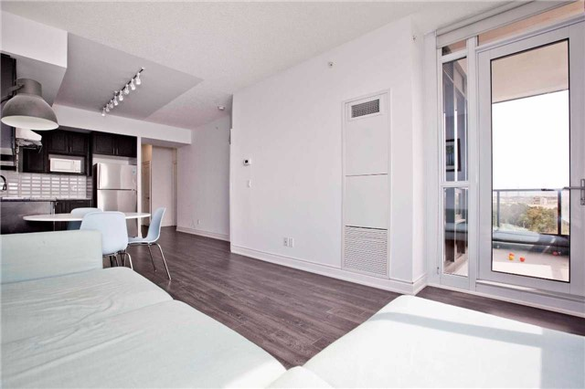 Condo Apartment at 99 South Town Centre Blvd, Unit B812, Markham, Ontario. Image 20