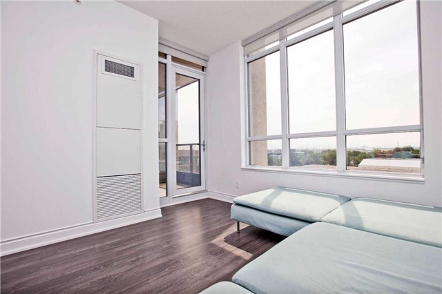 Condo Apartment at 99 South Town Centre Blvd, Unit B812, Markham, Ontario. Image 2