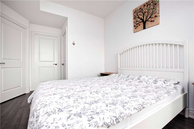 Condo Apartment at 99 South Town Centre Blvd, Unit B812, Markham, Ontario. Image 4