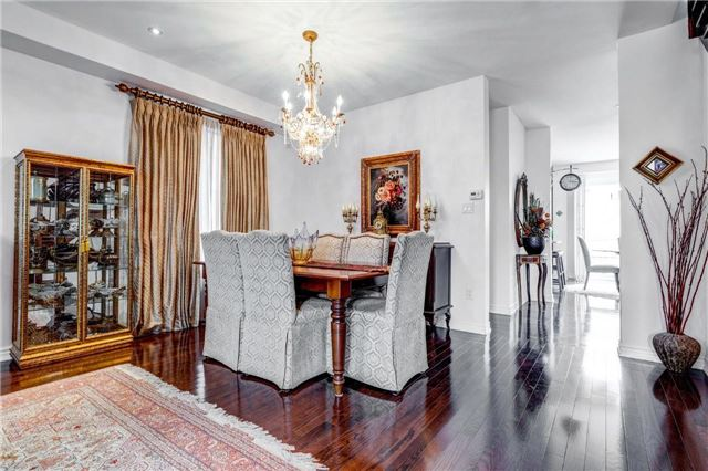 Detached at 25 Seiffer Cres, Richmond Hill, Ontario. Image 11