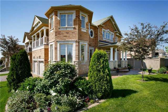Detached at 212 Silver Maple Rd, Richmond Hill, Ontario. Image 12