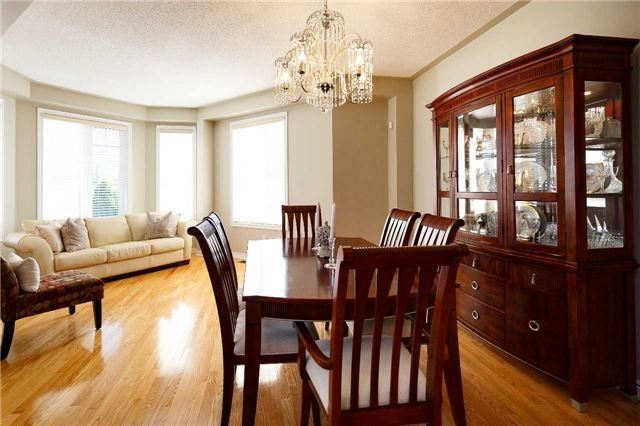 Detached at 212 Silver Maple Rd, Richmond Hill, Ontario. Image 15