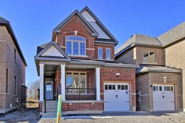 Detached at 32 Festival Crt, East Gwillimbury, Ontario. Image 1