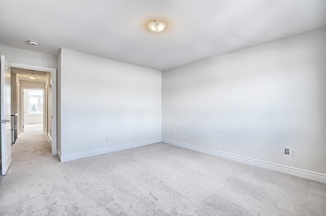Detached at 32 Festival Crt, East Gwillimbury, Ontario. Image 4