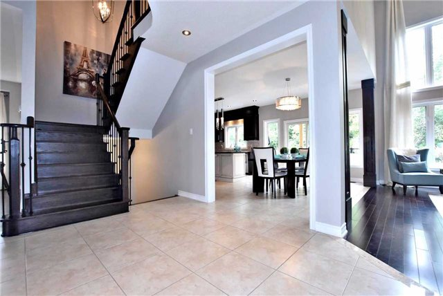 Detached at 162 Art West Ave, Newmarket, Ontario. Image 15