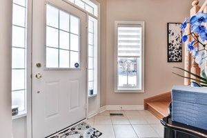 Townhouse at 16 Aubergine St, Richmond Hill, Ontario. Image 14