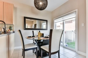 Townhouse at 16 Aubergine St, Richmond Hill, Ontario. Image 18