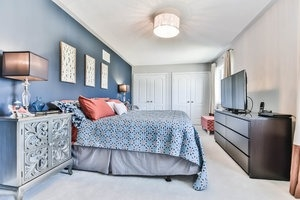 Townhouse at 16 Aubergine St, Richmond Hill, Ontario. Image 2