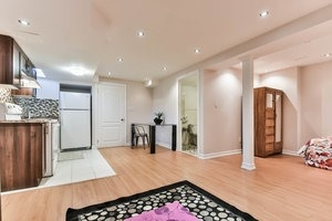 Townhouse at 16 Aubergine St, Richmond Hill, Ontario. Image 8