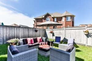 Townhouse at 16 Aubergine St, Richmond Hill, Ontario. Image 11