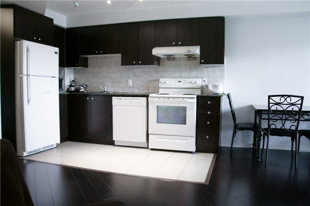 Condo Apartment at 4600 Steeles Ave, Unit 312, Markham, Ontario. Image 6