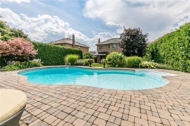 Detached at 377 Amberlee Crt, Newmarket, Ontario. Image 19