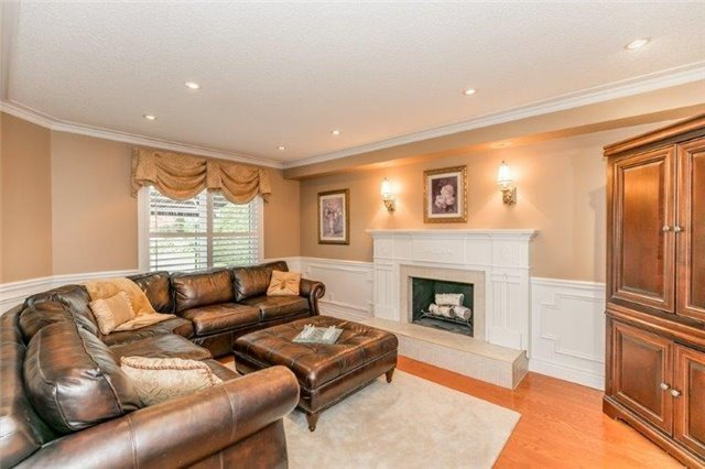 Detached at 377 Amberlee Crt, Newmarket, Ontario. Image 20
