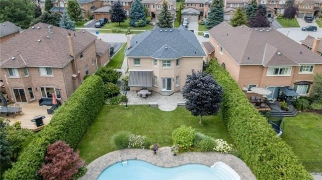 Detached at 377 Amberlee Crt, Newmarket, Ontario. Image 11