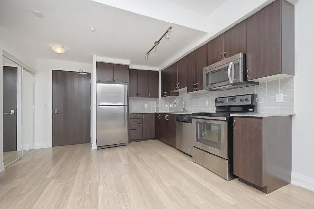 Condo Apartment at 370 Highway 7 Ave E, Unit 1026, Richmond Hill, Ontario. Image 10