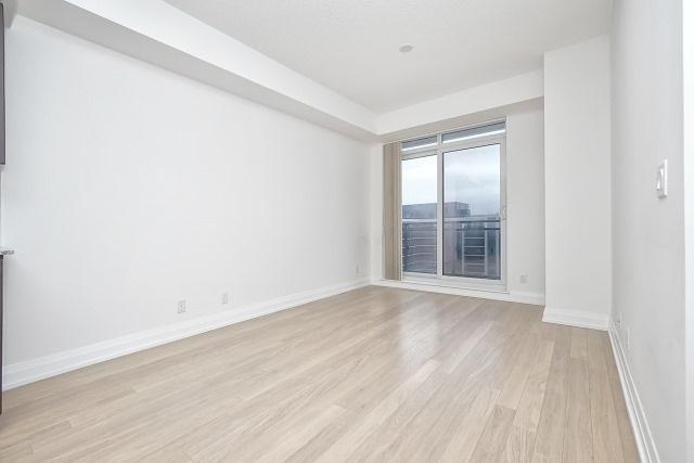 Condo Apartment at 370 Highway 7 Ave E, Unit 1026, Richmond Hill, Ontario. Image 12