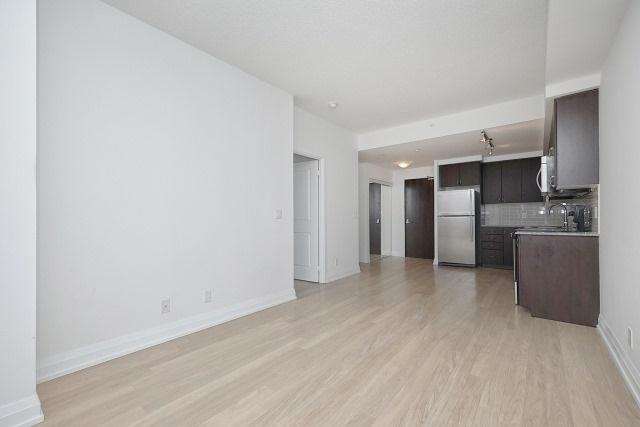 Condo Apartment at 370 Highway 7 Ave E, Unit 1026, Richmond Hill, Ontario. Image 13