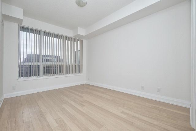 Condo Apartment at 370 Highway 7 Ave E, Unit 1026, Richmond Hill, Ontario. Image 15