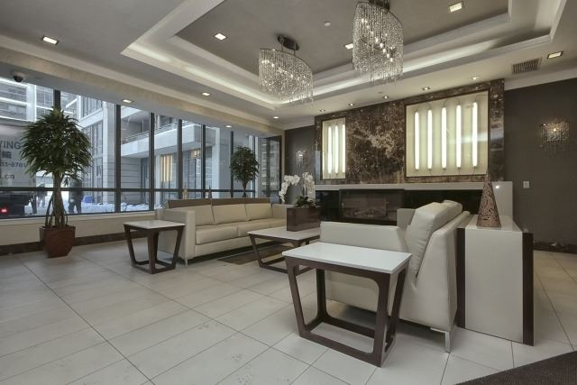 Condo Apartment at 370 Highway 7 Ave E, Unit 1026, Richmond Hill, Ontario. Image 4