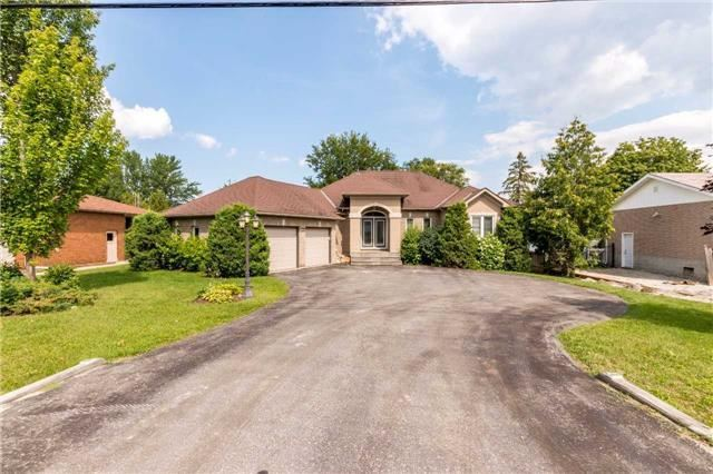 Detached at 2151 Adullam Ave, Innisfil, Ontario. Image 11