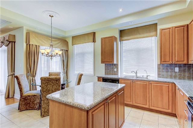Condo Townhouse at 76 Legends Way, Markham, Ontario. Image 15